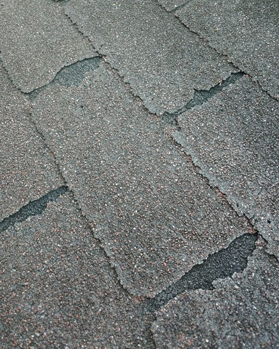 Asphalt shingles damage